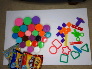 Play-doh 20 Cans & 45 accessories