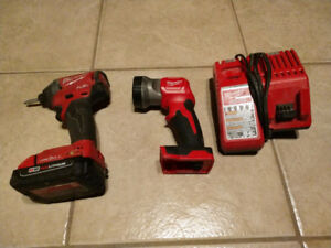 Milwaukee Fuel Impact w/ One Key, Battery, Light and Charger