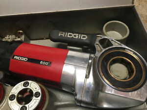 Ridgid model 600 threader with tripod and set of dies
