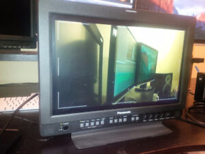 """17"""" LCD Broadcast Field Reference Monitor - GREAT CONDITION"""