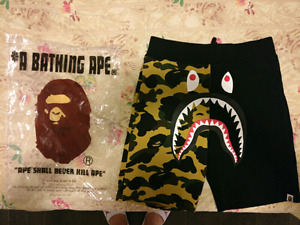 100% Authentic Bape Shark 1st Camo Sweat Short Size L