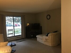 4 Months Lease!!!  2 Bedroom Apartment Reduced Rent!!! 899/month Edmonton Edmonton Area image 3