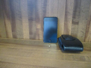 64 GB  iPod Touch [30-pin] ; 2 speaker units; 30-pin cables