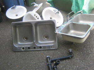 DOUBLE SINK $100 tel 519 362 6181 FREE DELIVERY
