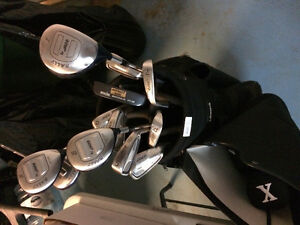 COMPLETE SET OF LADIES GOLF CLUBS AND BAG