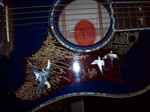 GIBSON DOVE IN FLIGHT ACOUSTIC TRANS BLUE LIMITED EDITION