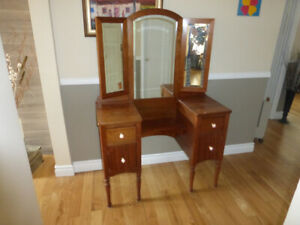 table de beauté, table d'entrée, miroir