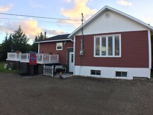 Doyles-Codroy Valley-family home with POOL!