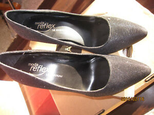 Le Chateau high heels Shoes - Black-size 8M - Still in Box Peterborough Peterborough Area image 3