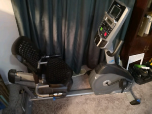Nautilus R614 Recumbent Bicycle