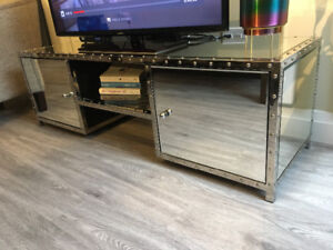 Mirrored cabinet/stand, like new!