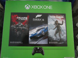 NEW XBOX ONE SUPER BUNDLE 2 CONTROLLERS HALO LTD EDITION