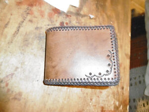 WALLET HAND CRAFTED LEATHER West Island Greater Montréal image 3
