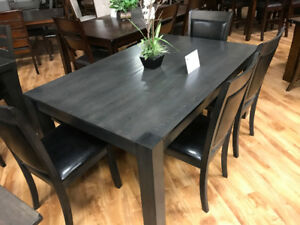 Gorgeous,Classy Hermes dinette Table & 4 chair -