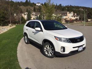 2015 Kia Sorento LX (LOW KM's + 5 YEAR WARRANTY)