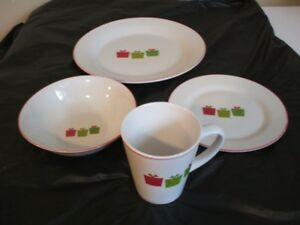 For Sale - Christmas Dishes