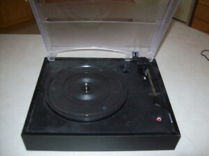TURNTABLE  --   LIKE NEW ( FOR COMPUTER )