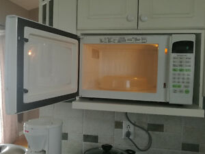 Appliances and more everything must go-Moving sale