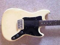 FENDER MUSICMASTER 1977 OLYMPIC WHITE