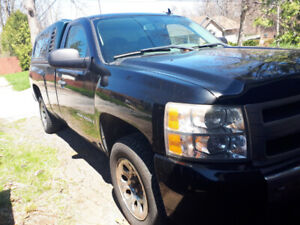2007 Silverado LT reg. cab/ w 8ft bed and cover