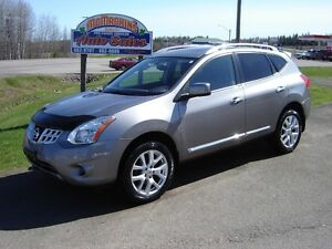 2011 NISSAN ROGUE SL***AWD***NAV***LEATHER***WARRANTY***SUNROOF*