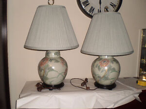 CERAMIC END TABLE LAMPS