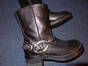 Harley Boots in Ladies 7-   recycledgear.ca