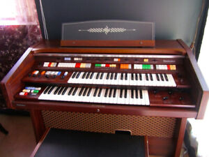 Technics Electrical Organ, model SX-7700G