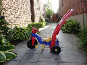 Pair of Toddlers Ride On Trike- One with a parent Handle Kitchener / Waterloo Kitchener Area image 8