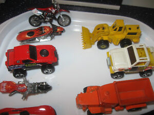 ELEVEN HOT WHEEL COLLECTOR'S TOYS