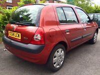 2004 Renault Clio 1.2 5 door 12 months MOT excellent condition