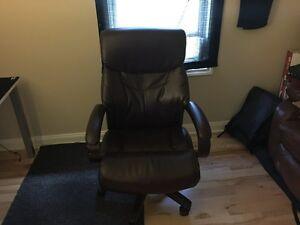 Lazboy computer chair