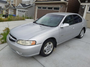 2000 Nissan Altima GXE - Active Status - Low km