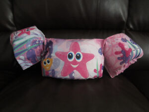 Puddle Jumper - Swimming Aid - Pink/used one summer