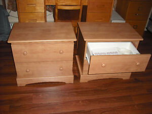2 tables de chevet - 125$