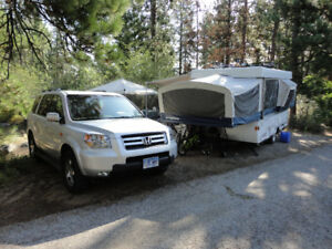 2007 FLEETWOOD/COLEMAN TENT TRAILER - LIKE NEW