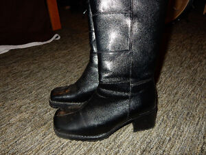 New leather black boots - size 5