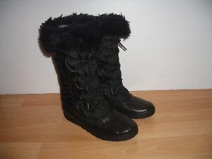 """"" SOREL """" boots / bottes ---- size 7 US / 38 EU"