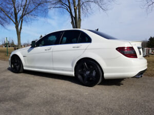 **MERCEDES BENZ C63 AMG **LOW KMS **MINT CONDITION