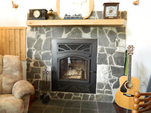 8 YR NEW HOME ON 2 ACRES WITH 500 FEET OF WATERFRONT Kawartha Lakes Peterborough Area image 3