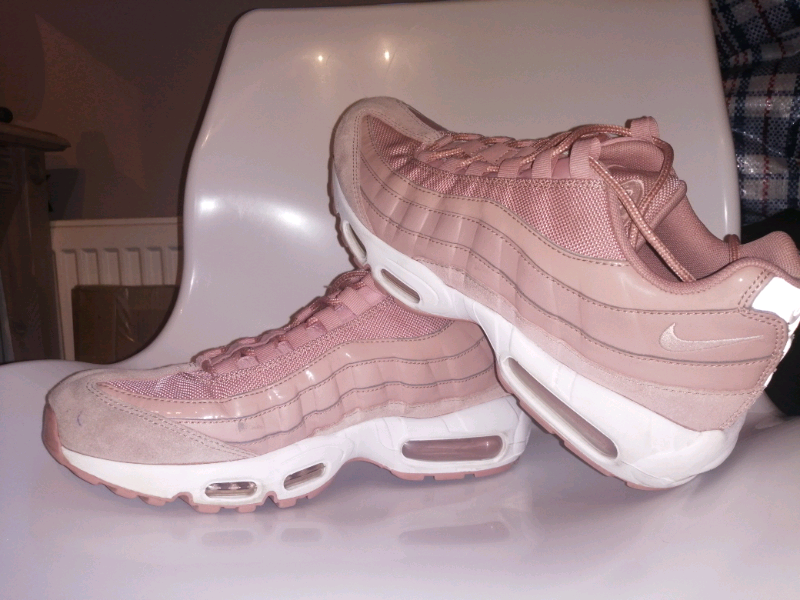 san francisco edfc3 5bb4e Nike 95s pink Shoes | in South Ockendon, Essex | Gumtree