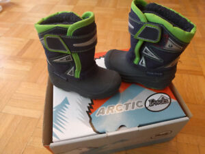 Winter Toddler boots Size 6