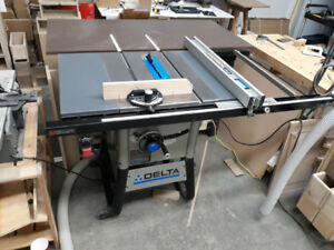 Delta contractor 10 inch table saw 36-725