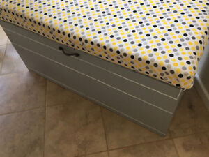 Bench storage chest