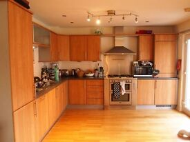 *FLAT AVAILABLE 1ST APRIL* Lovely 3 bedroom flat to rent in Leith