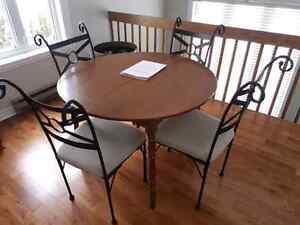 Table ronde en erable