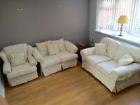 3 piece cream sofa suite