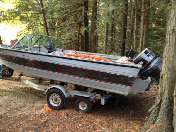 Used 1987 Crestliner Phantom