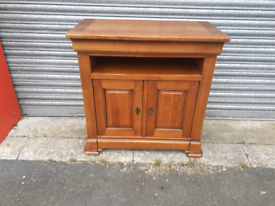 Solid and Heavy Entertainment Cabinet 🤩excellent condition 🤩