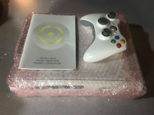 Xbox 360 4GB White Console With Accessories + One Controller